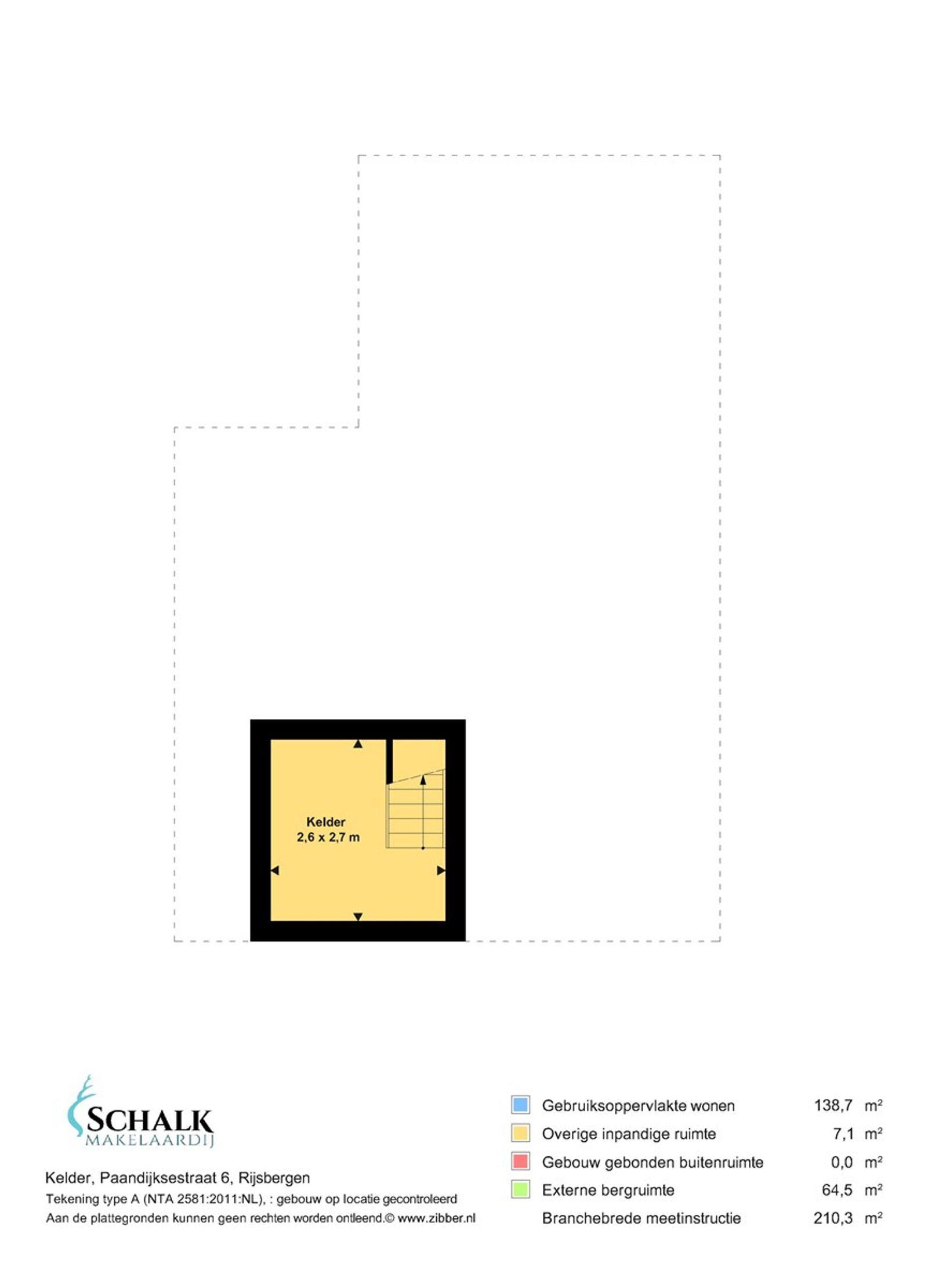 Deze karakteristieke half vrijstaande uitgebouwde woning met diverse bijgebouwen is rustig gelegen aan een doodlopende straat met vrij uitzicht. Op korte afstand zijn alle dorpsvoorzieningen te bereiken maar ook de snelweg tussen Rotterdam/Breda en Antwerpen (A16) is gemakkelijk binnen 3 autominuten te bereiken.   Bent u van plan om gasten te ontvangen? Of misschien wel beroep aan huis? Na het verkrijgen van een omgevingsvergunning is het multifunctionele bijgebouw hier uitermate geschikt. Deze ruimte kan uiteraard ook gewoon als garage/opslagruimte worden gebruikt.   De begane grond heeft een royale living met openslaande glas-in-lood deuren die toegang geven tot de keuken in landelijke stijl. De eerste verdieping heeft een ruime badkamer, drie slaapkamers en een was– en kleedruimte, die eventueel ook als slaapkamer gebruikt kan worden.  Naast de achtertuin beschikt het perceel ook nog over een (dieren) weide met verblijf en mooie fruitbomen.   BEGANE GROND Entree/hal met toegang tot de woonkamer en vaste trap naar de eerste verdieping. Afwerking- authentieke tegelvloer, stucwerk wanden en een MDF plafond. Meterkast- 9 groepen, kookgroep en een aardlekschakelaar.  Kelder toegankelijk vanuit de living.  Afwerking- betonnen vloer, stucwerk wanden en een stucwerk plafond.  Zeer royale U - vormige living met fraaie houten balken in het zicht, schouw, rookkanaal en tuindeuren. Via openslaande glas-in-lood deuren is de keuken bereikbaar. Afwerking- houten vloer, stucwerk wanden en een stucwerk plafond.  Landelijke keuken in tweedelige opstelling uitgerust met een hardstenen aanrechtblad, spoelbak,  pannencarrousel, vaatwasser, 5-pits keramisch Boretti kooktoestel, afzuigkap, magnetron, elektrische oven, koelkast en kastruimte. Vanuit de keuken is de achterentree toegankelijk.  Afwerking- vinyl vloer, stucwerk wanden en stucwerk plafond met spotverlichting.  Achterentree met toegang tot de toiletruimte en keuken. Afwerking- vinylvloer, betegelde wanden en een stucwerk pla