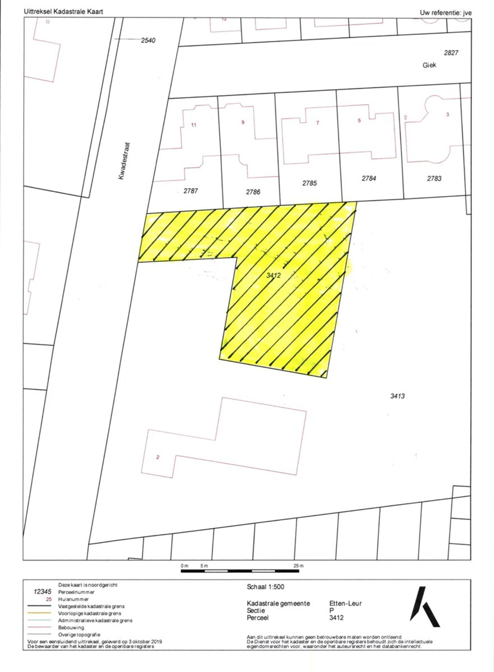 Fraai bouwkavel van 1.030 m² rustig gelegen op een uitstekende locatie in wijk de Keen met alle dorpsvoorzieningen bij de hand. Tevens zijn op korte afstand diverse uitvalswegen (A58/A16) te bereiken.   Om uw droom waar te maken dient er eerst een omgevingsvergunning te worden aangevraagd bij de gemeente Etten-Leur. De kosten voor deze aanvraag, ook wel leges genoemd, komen voor rekening van koper. Zo ook de kosten voor het aansluiten van de (nuts) voorzieningen.   Naast de goedkeuring van welstand zal de te bouwen woning aan bouwregels en voorwaarden moeten voldoen welke hier verder staan beschreven in de brochure.  Bouwregels Voor de bouw van een nieuwe vrijstaande woning op dit perceel gelden onder andere de volgende bouwregels-   Woonhuis De goothoogte mag niet meer bedragen dan 5 m;  De bouwhoogte mag niet meer bedragen dan 9 m;   Bijgebouwen Bij iedere woning mogen aan- en uitbouwen en bijgebouwen worden gebouwd, waarbij de volgende regels gelden-  aan- en uitbouwen en bijgebouwen mogen zowel binnen als buiten het bouwvlak worden gebouwd; op de gronden buiten het bouwvlak mogen per bouwperceel aan- en uitbouwen en bijgebouwen worden  gebouwd met een gezamenlijke oppervlakte van maximaal 50,00 m², met dien verstande dat per bouwperceel niet meer dan 50% van de oppervlakte van de gronden buiten het bouwvlak bebouwd mag worden;  de goothoogte van aan- en uitbouwen en aangebouwde bijgebouwen binnen het bouwvlak is maximaal 0,30 meter boven de bouwhoogte van de eerste bouwlaag van het hoofdgebouw.   De totale bouwhoogte van aan- en uitbouwen en aangebouwde bijgebouwen binnen het bouwvlak is maximaal 0,30 meter boven de bouwhoogte van de tweede bouwlaag van het hoofdgebouw. de goothoogte en bouwhoogte van aan- en uitbouwen en aangebouwde bijgebouwen buiten het bouwvlak is maximaal 0,30 meter boven de bouwhoogte van de eerste bouwlaag van het hoofdgebouw; de goothoogte en bouwhoogte van vrijstaande bijgebouwen bedragen maximaal 3,25 m respectievelijk 5,50 m;   Aan-hu