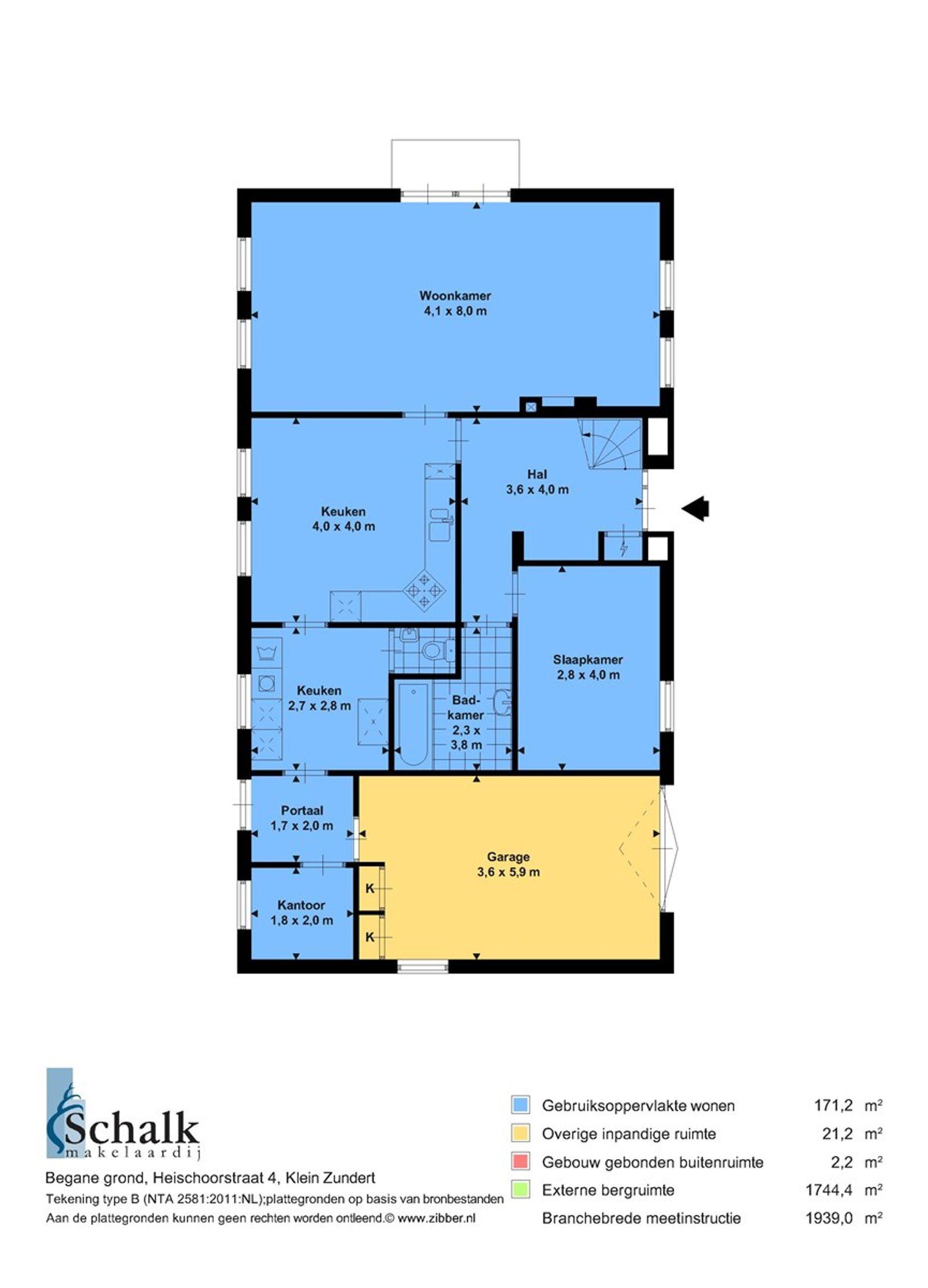 Uitermate geschikt voor het stallen van campers! -AGRARISCHE BESTEMMING- In het buitengebied van Zundert, in de nabijheid van het grote natuur- en wandelgebied -De Pannenhoef- staat deze vrijstaande woning met een inpandige bereikbare garage en diverse bijgebouwen op een perceel van 9.725 m² . De omgeving kenmerkt zich door een open landschap en weidse uitzichten. Het dorp Zundert heeft gevarieerde winkel-, horeca– en schoolvoorzieningen en een actief verenigingsleven.  Daarnaast beschikt dit object over een vergunning waarbij toestemming is verleend voor het overnachten/stallen van maar liefst 65 camper plaatsen.   De begane grond heeft o.a. een woonkamer, ruime woonkeuken, bijkeuken, kantoorkamer, slaapkamer en een badkamer. De eerste verdieping heeft vier slaapkamers en een doucheruimte.   Het behoort tot de mogelijkheden om het object met meer grond  2.29.15 ha aan te kopen. 0.97.25 ha - 2.29.15 ha = 3.26.40 (totale object).  De woning heeft een agrarische bestemming met functie aanduiding -museum-. Benieuwd naar de bestemmingsplanmogelijkheden?  Informeer naar de makelaar.   BEGANE GROND Entree/hal met toegang tot de woonkamer, keuken, slaacp– en badkamer.  Afwerking- tegelvloer, schoonmetselwerkwanden en een houten schroten plafond. Meterkast- 11 groepen, aardlekschakelaar en 1 krachtstroomgroep.  Slaapkamer (voorzijde) Afwerking- laminaatvloer, behangen wanden en een houten schroten plafond.  Ruime woonkamer met gashaard en openslaande tuindeuren. De ruimte biedt toegang tot de keuken.  Afwerking- tegelvloer, Spachtelputz wanden en een stucwerk plafond.  Dichte woonkeuken in hoekopstelling uitgerust met een betegeld aanrechtblad, 1 spoelbak, vaatwasser,  keramische kookplaat, schouw met afzuigkap, combimagnetron, koelkast en kastruimte. Vanuit de keuken is de bijkeuken bereikbaar. Afwerking- tegelvloer, Spachtelputz wanden en een stucwerk plafond.  Nette badkamer voorzien van een ligbad en wastafel.  Afwerking- tegelvloer, wandtegels en een kunststof delen pl