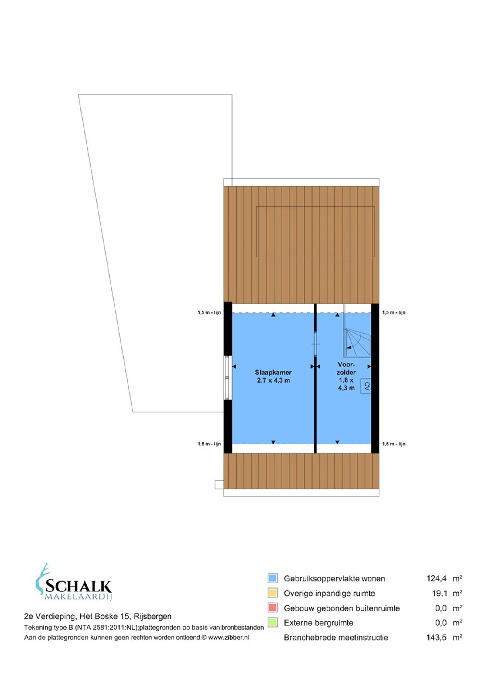 Deze hoekwoning met inpandige garage, oprit en tuin op het zuiden is gelegen in een kindvriendelijke woonwijk op loopafstand van het openbaar vervoer (bushalte), alle dorpsvoorzieningen, de kinderboerderij, het sportcomplex en het zwembad.  De begane grond heeft een fijne doorzon living met mooie eiken houten vloer en een ruime woonkeuken in hoekopstelling. De eerste verdieping beschikt over een badkamer met ligbad voorzien van douchemogelijkheid en twee slaapkamers waarbij een slaapkamer de mogelijkheid biedt om hier een extra kamer te realiseren. Op de tweede verdieping bevindt zich de voorzolder met cv ketel en praktische opbergruimten alsook de derde slaapkamer.  De onderhoudsvriendelijke achtertuin heeft een achterom, een tuinhuis/(fietsen) berging en is gelegen op het zuiden waardoor je heerlijk van het zonnetje kunt genieten! Door de speelweide aan de voorzijde hebben kinderen volop speelruimte. Tevens bevinden zich op zeer korte loopafstand nog meer speelweides.  BEGANE GROND Entree/hal met toegang tot de toiletruimte en living.  Afwerking- eiken houten vloer, Spachtelputz wanden en een stucwerk plafond.   Toiletruimte met fonteintje.  Afwerking- tegelvloer, betegelde wanden en een kunststof delen plafond.   Fijne doorzon living met mooie eiken houten vloer. Via een afgesloten trapopgang bereik je de  eerste verdieping. De grote raampartij aan de achterzijde zorgt voor veel lichtinval.  Afwerking- eiken houten vloer, Spachtelputz wanden en een stucwerk plafond met sierlijst.   Ruime woonkeuken in hoekopstelling uitgerust met een kunststof aanrechtblad, dubbele spoelbak,  koelkast, vaatwasser, combimagnetron, 4 pits gaskookplaat, close-in boiler en afzuigkap.  Vanuit deze ruimte zijn de achtertuin en garage bereikbaar.   Afwerking- tegelvloer, Spachtelputz wanden en een kunststof delen plafond.   EERSTE VERDIEPING Overloop met toegang tot twee slaapkamers (mogelijkheid om extra kamer te creeren) en de badkamer.  Via een vaste trapopgang is de tweede verdiepin